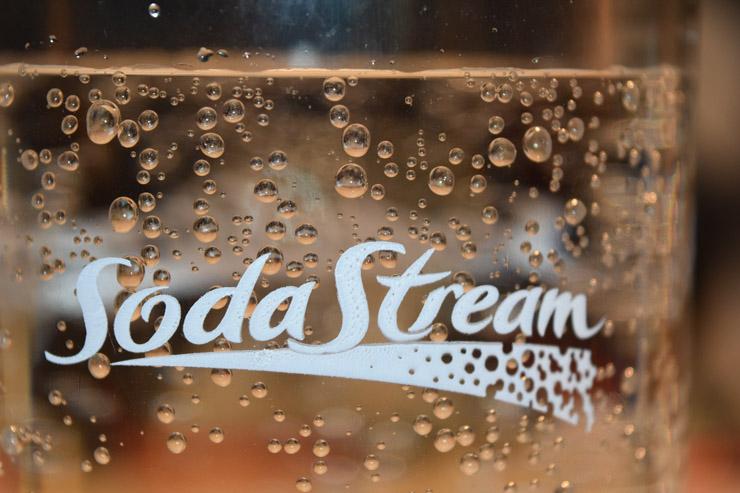 Wie kommt die Kohlensäure ins Wasser - Sodastream