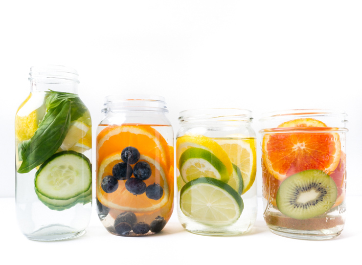 vier einfache infused Water Rezepte - The Vegetarian Diaries