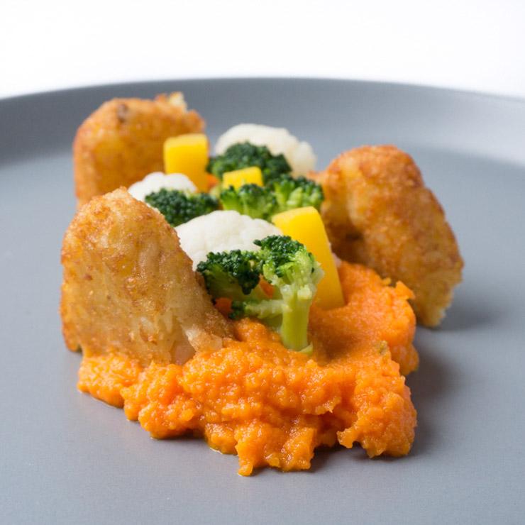 Möhren-Püree mit Kaiser-Gemüse und Kartoffelröstis  - The Vegetarian Diaries