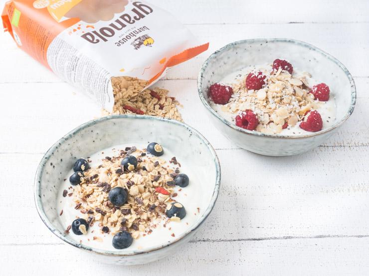 veganes Frühstück mit Granola von Barnhouse - Goji-Cashew Müsli - The Vegetarian Diaries
