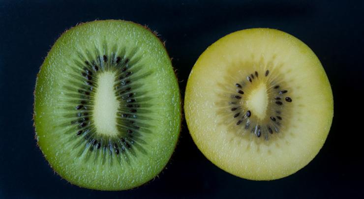 SunGold Kiwi und Green Kiwi von Zespri im Vergleich - The Vegetarian Diaries