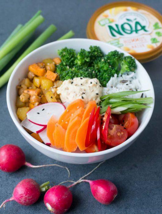 vegane Gemüse-Bowl mit Hummus von NOA - The Vegetarian Diaries