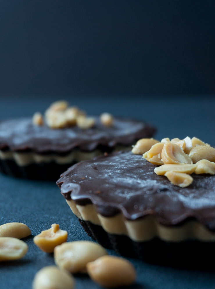 Chocolate Peanutbutter Oreo Tartelettes - The Vegetarian Diaries