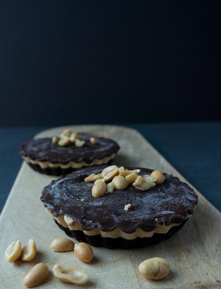 vegane Schoko-Erdnussbutter-Oreo-Tartelettes - The Vegetarian Diaries