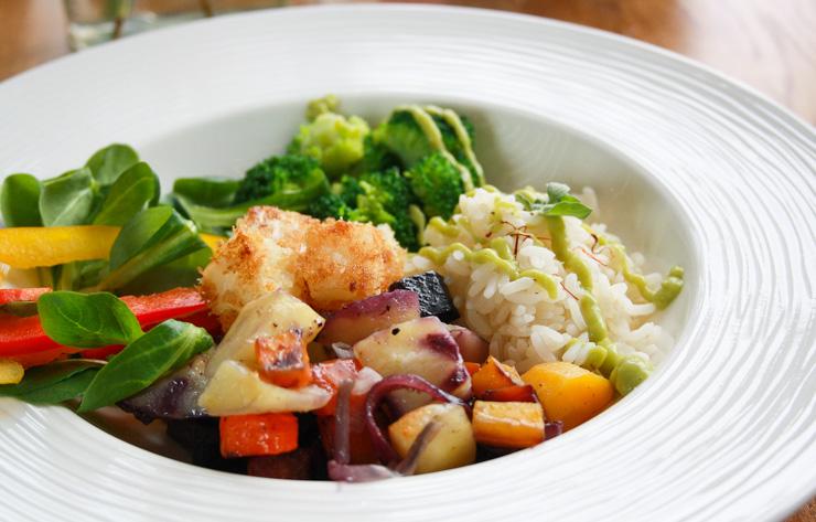 Frühlings-Bowl mit Selleriewürfeln und Avodaco - The Vegetarian Diaries