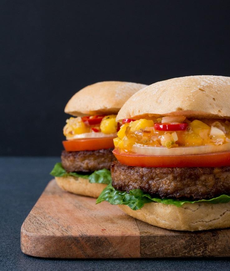 Burger mit glutenfreien EDEKA Brötchen - The Vegetarian Diaries