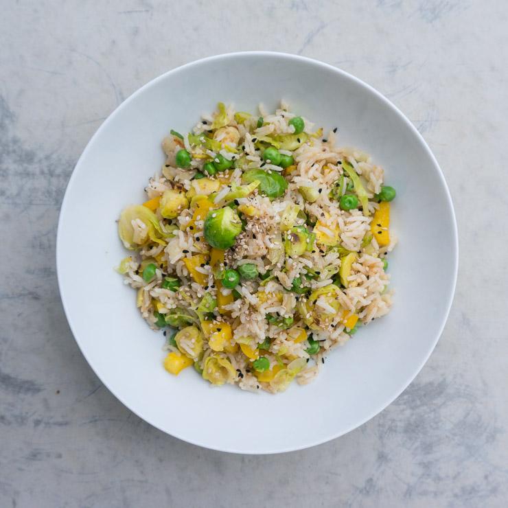 gebratener Reis mit Rosenkohl - The Vegetarian Diaries