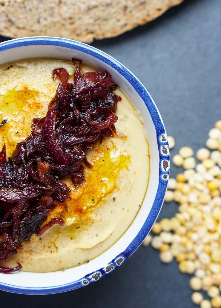 griechisches Fava mit karamellisierten Zwiebeln - The Vegetarian Diaries