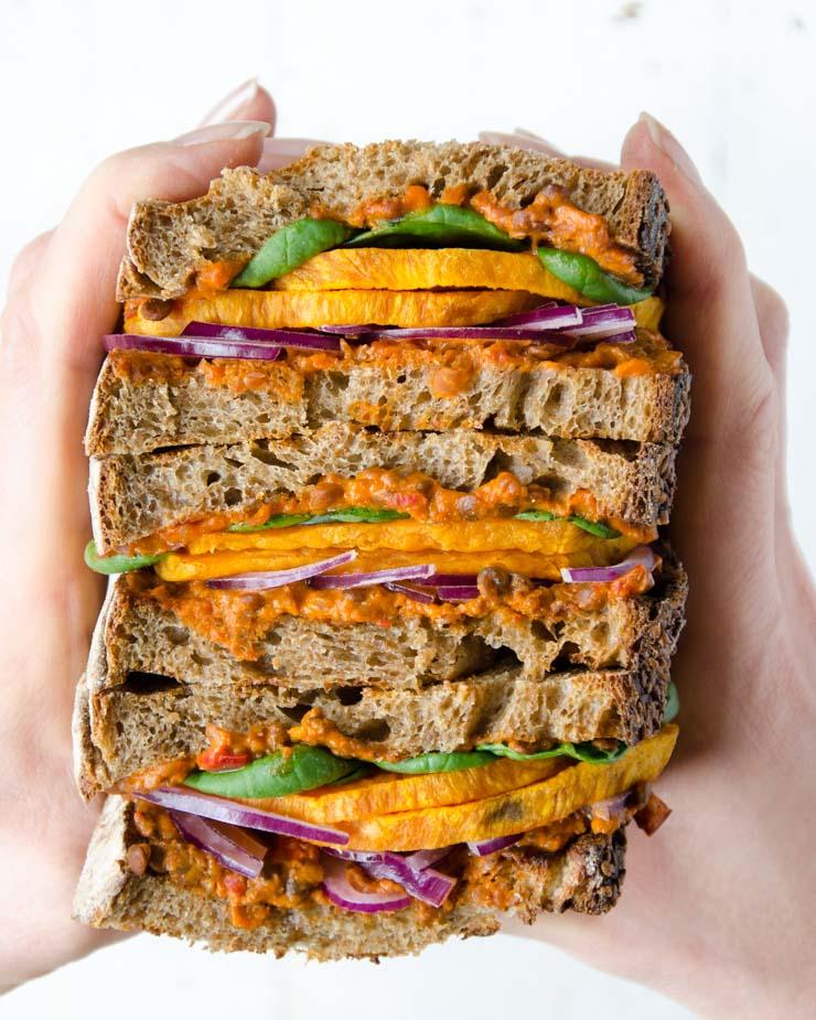 Sandwich mit gerösteter Süßkartoffel und Spinat - The Vegetarian Diaries