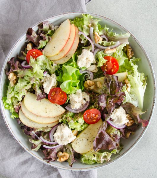 Salat mit Cashew-Frischkäse - The Vegetarian Diaries