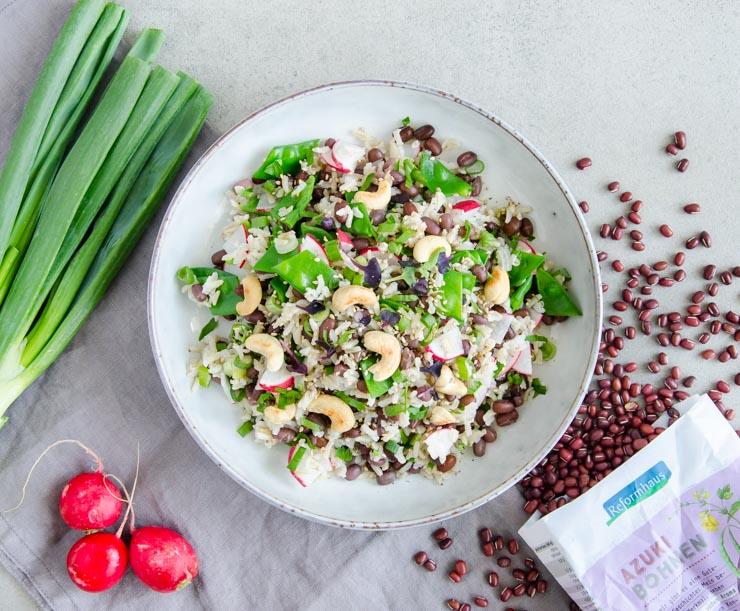 Reissalat mit Azukibohnen und knackigem Gemüse - The Vegetarian Diaries