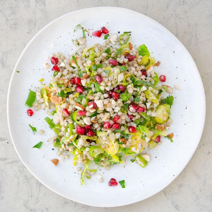 winterlicher Rosenkohl-Buchweizensalat - The Vegetarian Diaries