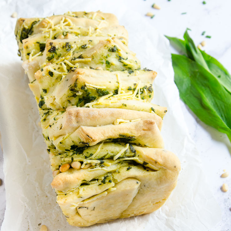 Baerlauch pull apart Brot - The Vegetarian Diaries